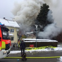2017-11-29_Lindau_Lindenberg_Westallgaeu_Brand_Garage_Feuerwehr_Raedler_0016