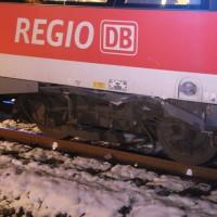 2017-12-01_Unterallgaeu_Breitenbrunn_Pkw_Regionalzug_Feuerwehr_Poeppel20171201_0010