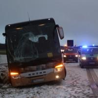 2017-12-14_A7_Woringen_Unfall_Reisebus_Polizei_Poeppel_0006