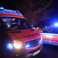 2017-12-23_B312_Erlenmoss_Edenbach_Pkw_Baum_Feuerwehr_Poeppel_0051