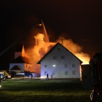 2017-12-24_Unterallgaeu_Altisried_Großbrand_Gebaeude_Feuerwehr_Poeppel_0010