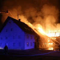 2017-12-24_Unterallgaeu_Altisried_Großbrand_Gebaeude_Feuerwehr_Poeppel_0058