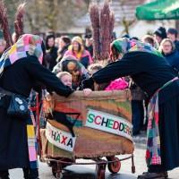 2018-01-21_Erolzheim_Narrenzunft_Deifel-weib_Narrensprung_Poeppel_0586
