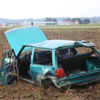 2018-01-26_L300_Tannheim_Egelsee_Unfall_Ueberschlag_Feuerwehr_Polizei_0008