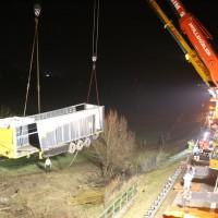 A96_Mindelheim_Stetten_Lkw-Unfall_Bergung_Nacht_Poeppel_0053