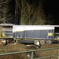 A96_Mindelheim_Stetten_Lkw-Unfall_Bergung_Nacht_Poeppel_0059