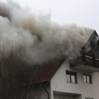 2018-02-22_Wangen_Allgaeu_Brand_Mehrfamilienhaus_Feuerwehr_Poeppel_0004