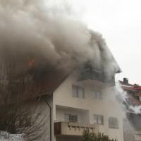 2018-02-22_Wangen_Allgaeu_Brand_Mehrfamilienhaus_Feuerwehr_Poeppel_0037