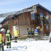 2018-03-05_Bibeach_Kirchdorf_Brand_Fassade_Feuerwehr_0042