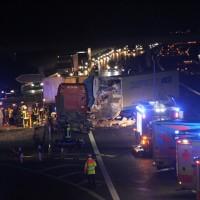 2018-03-16_A7_Dettingen_Lkw-Unfall_Feuerwehr_0047