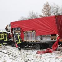 2018-03-19_B12_Kaufbeuren_Neugablonz_Lkw-Unfall_Feuerwehr_0002
