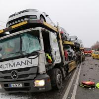2018-03-19_B12_Kaufbeuren_Neugablonz_Lkw-Unfall_Feuerwehr_0011