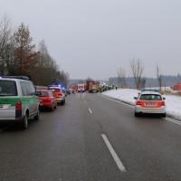 2018-03-19_B12_Kaufbeuren_Neugablonz_Lkw-Unfall_Feuerwehr_0018