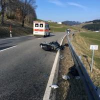 2018-03-25_B308_Immenstadt_Paradies_Motorradunfall_Raedler_0003