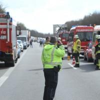2018-04-13_A96_Aitrach_Memmingen_UNfall_Stau_Feuerwehr_0020