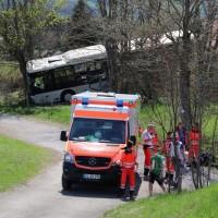 2018-04-20_B310_Oy-Wertach_Unfall_Bus-Pkw_Feuerwehr20180420_0006