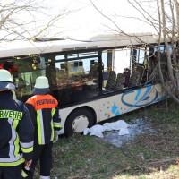 2018-04-20_B310_Oy-Wertach_Unfall_Bus-Pkw_Feuerwehr20180420_0017