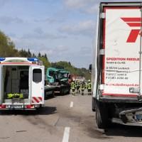 2018-04-24_A96_Aitrach_Memmingen_Lkw_Unfall_Stau_Feuerwehr_0001