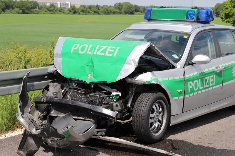 2018-0524_A7_Berkheim_Memmingen_Unfall_Polizeifahrzeug_Tankzug_0006