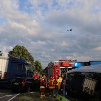 2018-06-21_B30_Oberessendorf_Unfall_Lkw_Pkw_toedlich_Feuerwehr_0022