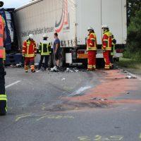 2018-06-21_B30_Oberessendorf_Unfall_Lkw_Pkw_toedlich_Feuerwehr_0046