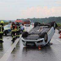 2018-07-06_A7_Dettingen_Berkheim_Unfall_Ueberschlag_Feuerwehr_0002