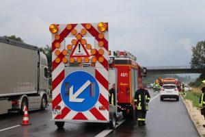 2018-07-06_A7_Dettingen_Berkheim_Unfall_Ueberschlag_Feuerwehr_0008