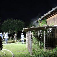 2018-07-11_Biberach_Berkheim_Brand_Stall_Feuerwehr_Poeppel_0004