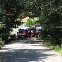 2018-07-14_Biberach_Laubach_Edenbachen_Pkw-im-Bach_Feuerwehr_0001