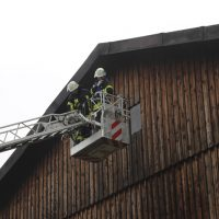 2018-07-22_Biberach_Tannheim_Brand_Heustock_Halle_Feuerwehr_Poeppel_0029