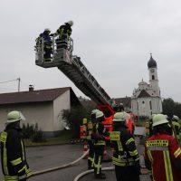2018-07-22_Biberach_Tannheim_Brand_Heustock_Halle_Feuerwehr_Poeppel_0031