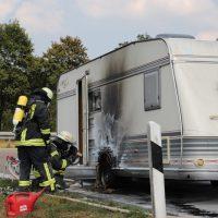 2018-08-03_A7_Raststaette-Illertal_Brand-Wohnwagen_Feuerwehr_0007