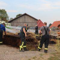 2018-08-06_Biberach_Steinhausen_Brand_Heuballen_Feuerwehr_Poeppel_0004
