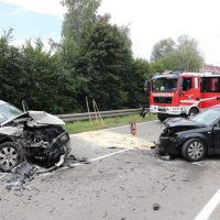 2018-08-08_B16_Pfaffenhausen_Unfall_Frontal_Feuerwehr_00003