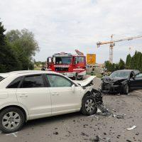 2018-08-08_B16_Pfaffenhausen_Unfall_Frontal_Feuerwehr_00005