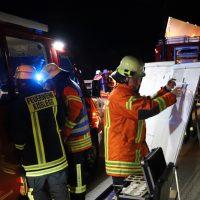 2018-08-27_A96_Leutkirch_Lkw-Unfall_Gefahrgut_Feuerwehr_00032