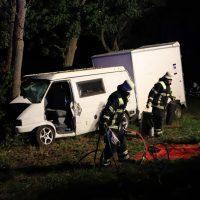 2018-09-10_A7_Memmingen_Woringen_Unfall_Lieferwagen_Baum-Feuerwehr_00007