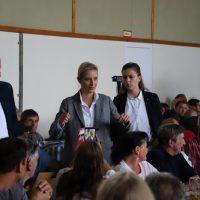 2018-09-15_Guenzburg_Breitenthal_AfD-Wahlveranstaltun_Polizei_00022