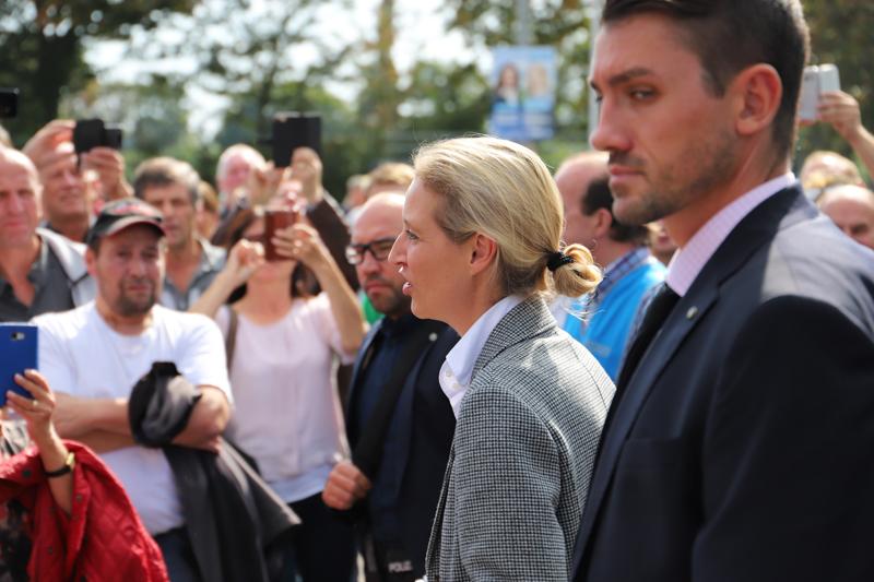 2018-09-15_Guenzburg_Breitenthal_AfD-Wahlveranstaltun_Polizei_00034