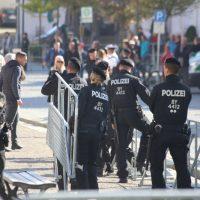 2018-09-30_Unterallgaeu_Ottobeuren_AFD_Bunt_DEMO_Polizei_00004