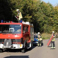 2018-09-30_Unterallgaeu_Aichstetten_Lautrach_Motorrad_Unfall_Feuerwehr_00004