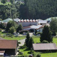 2019-08-09_Unterallgaeu_Groenenach-Tal_Miclhbetrieb_Landwirtschaft_Tierschutz_Polizei_Durchsuchung_Poeppel_0018