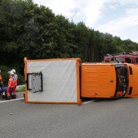 2019-08-15_A96_Aichstetten_Leutkirch_Unfall_Autobahnstrassenmeisterei_Feuerwehr_Poeppel_0009