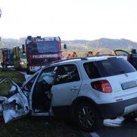 2019-10-14_Ravensburg_Leupolz_Ungerhaus_Pkw_Lkw_Unfall_FeuerwehrIMG_9206