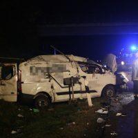 2019-11-08_A96_Erkheim_Stetten_Unfall_SUV-FeuerwehrIMG_1447