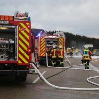 2019-11-23_A7_Groenenbach_Dietmannsried_Transporter_brand_FeuerwehrIMG_2068