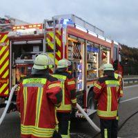 2019-11-23_A7_Groenenbach_Dietmannsried_Transporter_brand_FeuerwehrIMG_2084