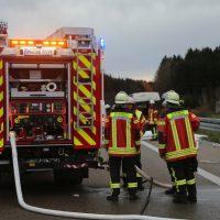 2019-11-23_A7_Groenenbach_Dietmannsried_Transporter_brand_FeuerwehrIMG_2086