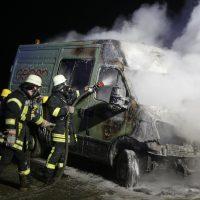 2019-12-04_Memmingen-Steinheim_MN30_Transporter_Brand_FeuerwehrIMG_2247