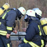 2019-12-10_B30_Ravensburg_Enzisreute_Baindt_Lkw-Unfall-Gefahrgut_Feuerwehr_PoeppelIMG_2440